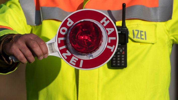 polizeikontrolle in berlin autofahrer zum 42 mal ohne f hrerschein erwischt rbb 24. Black Bedroom Furniture Sets. Home Design Ideas