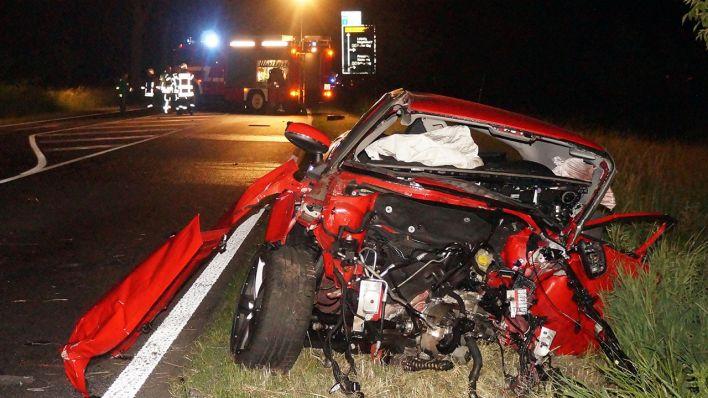 Heranrasender Wagen kracht in ihr Fahrzeug - 54-Jährige bei ...