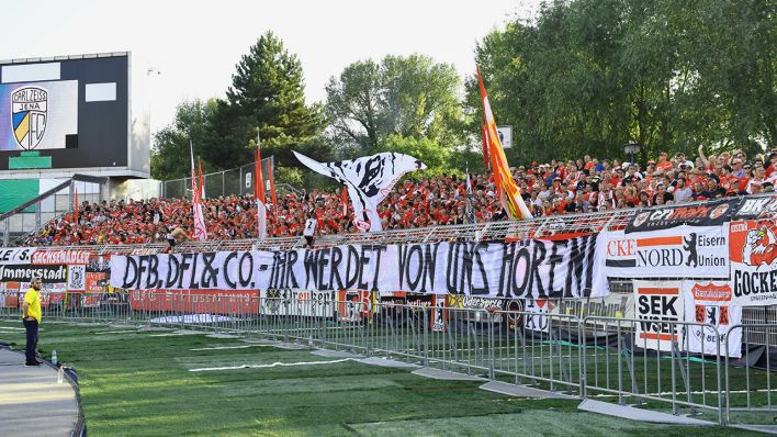 Hertha Bsc Und Union Schliessen Sich An Fussballfans Wollen