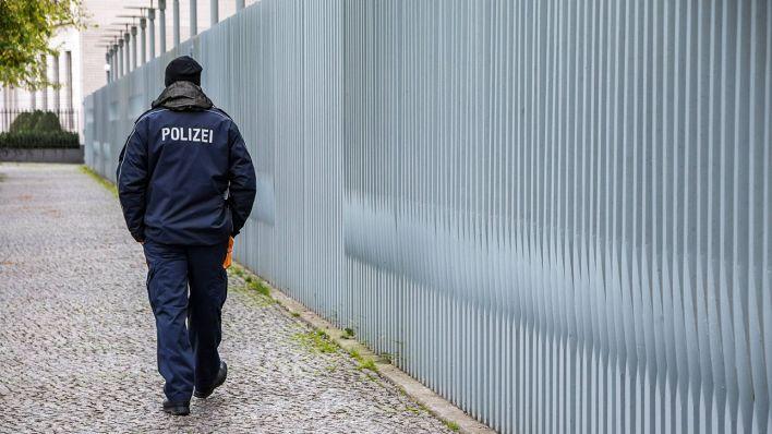 Berlin öffnet Bewerberportal Polizei Sucht Wieder Nachwuchs Für