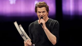"Campino of the Toten Hosen receives the ""national rock"" award before holding a speech against extremism during the 2018 Echo Music Awards ceremony Thursday, April 12, 2018 in Berlin. (Quelle: dpa/ Schmidt)"