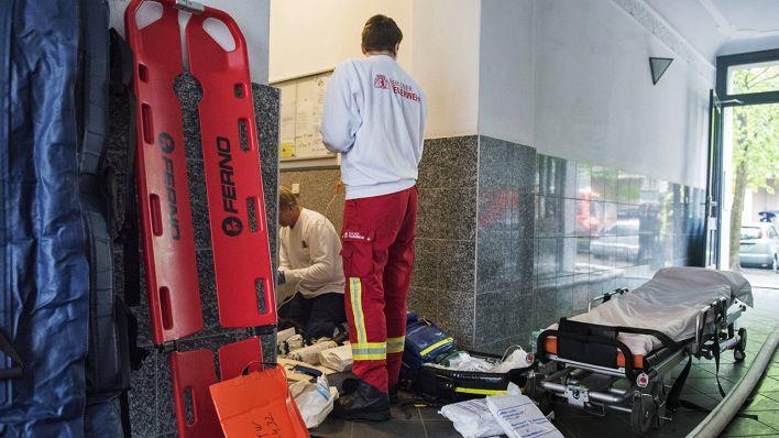 Gerechter Lohn für Rettungsdienst | Sanitäter im Corona-Alltag