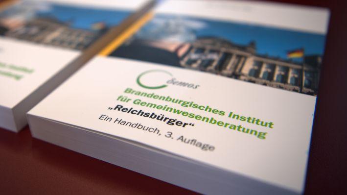 Erweitertes Handbuch Für Behörden Vorgestellt Rechte Bewegungen