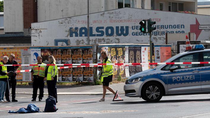 Kind In Berlin Spandau Von Abbiegendem Lkw überfahren Und Getötet