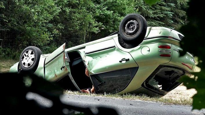 Polizei testet Autofahrer - Kaum einer hilft nach einem schweren ...