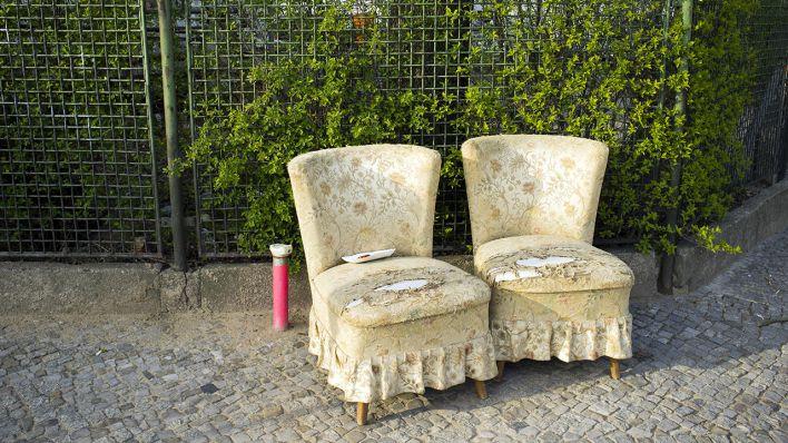 prozess um sperrm ll abzocke tausende euro f rs entsorgen von alten m belst cken rbb 24. Black Bedroom Furniture Sets. Home Design Ideas