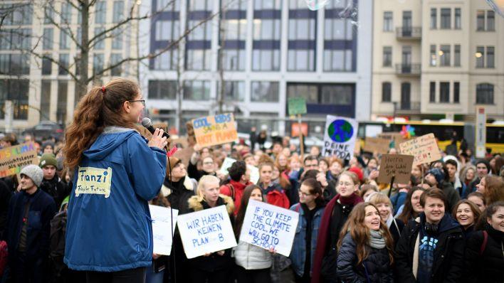 Fridays For Future Tausende Schuler Wollen In Berlin Auf Die