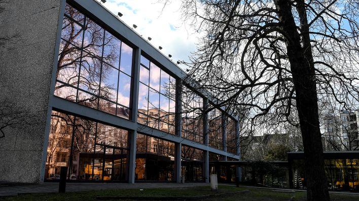 Haus der Berliner Festspiele Erichs Lampenladen leuchtet