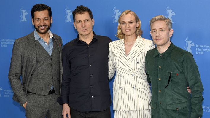 Archivbild: Cas Anvar, Yuval Adler, Diane Kruger and Martin Freeman during the <<The Operative / Die Agentin>> photocall at the 69th Berlin International Film Festival. (Quelle: dpa/Niehaus)