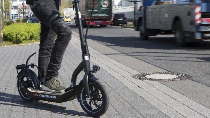 Protest Gegen E Scooter In Berlin Fußgängerverband Fordert