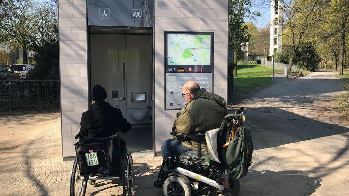 öffentliche Toiletten Berliner Können Jetzt Hochmodern Pinkeln Rbb24