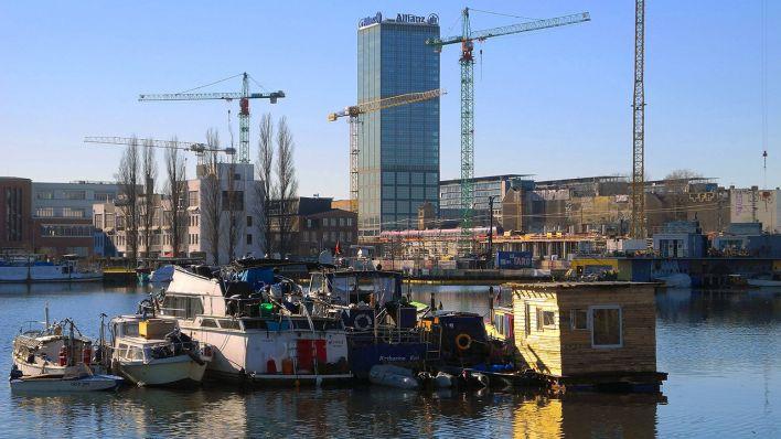 Archivbild: Mehrere Boote ankern in der Rummelsburger Bucht. (Quelle: imago/PEMAX)