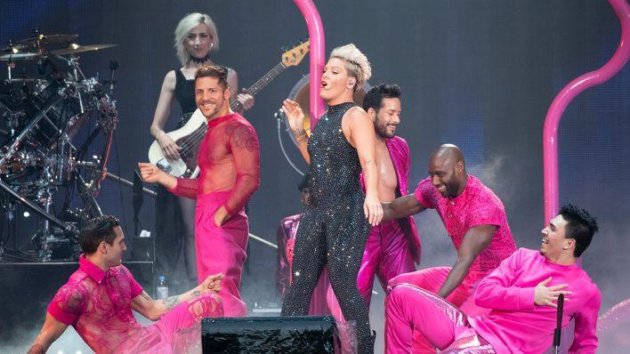 vorgruppe pink frankfurt