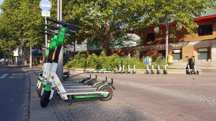 Schon 9.000 E-Scooter in Berlin - zwei Drittel in der Stadtmitte