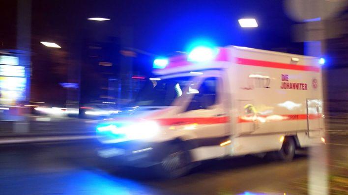 Offenbar nach Einbruch: Mann springt in Kreuzberg durch ...