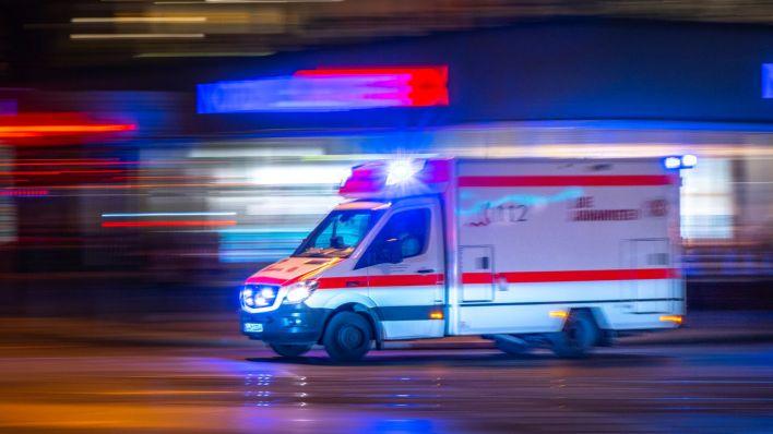 Von Autos angefahren: Zwei Fußgänger bei Unfällen in Berlin schwer verletzt - rbb|24