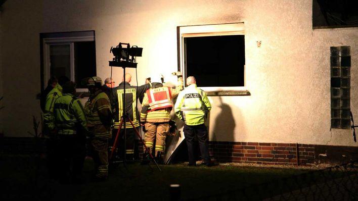 Verdacht auf Brandstiftung: 69-Jährige stirbt bei Hausbrand in Falkensee - rbb|24