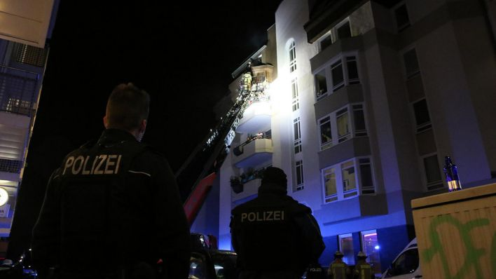 15 Menschen bei Kellerbrand in Neukölln verletzt