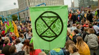 Blockade des Potsdamer Platzes durch Extinction Rebellion im September 2019 (Quelle: imago images/Contini)