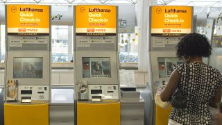 Quick Check-in, Schalter mit Self-service der Lufthansa