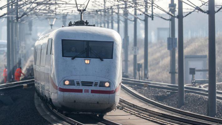 Sperrung Nach Schüssen Aufgehoben Bahnhof Halle Wird Wieder