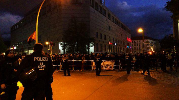 Drei Festnahmen bei Anti-Pegida-Protest