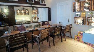 Einrichtung im Café Canna (Quelle: rbb/Vera Block)