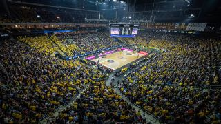 Basketballspiel in der Berliner Mercedes-Benz-Arena (Quelle: imago images/Thonfeld)