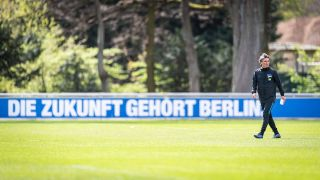 Hertha-Trainer Bruno Labbadia beim Training (Quelle: imago images/Poolfoto S)