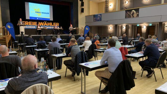 Freie Wähler beschließen Volksinitiative gegen Erschließungskosten von Sandpisten