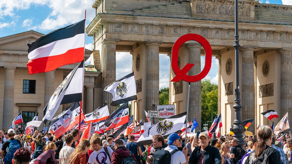 Demonstranten am 29.08.2020 in Berlin (Quelle: dpa/sulupress)
