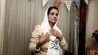 Archivbild: Nasrin Sotudeh in ihrem Haus in Teheran. (Quelle: dpa/K. Farzaneh)