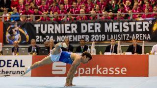 Ein Turnern turnt beim Turnier der Meister 2019. Quelle: imago images/Eibner