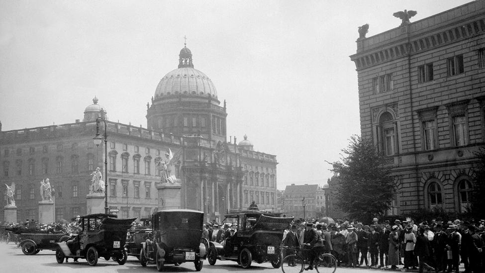 Das Berliner Schloß in den 1920er Jahren (Quelle: imago images/United Archives International)