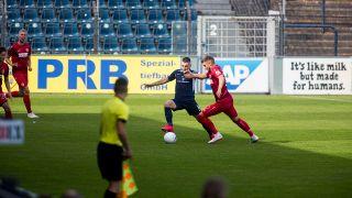 Ein Zweikampf im Spiel Babelsberg gegen Cottbus. Quelle: imago images/Jan Huebner