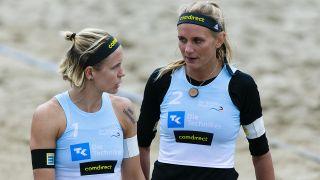 Laura Ludwig (l.) und Margareta Kozuch (r.) bei einem Turnier. Quelle: dpa/Frank Molter