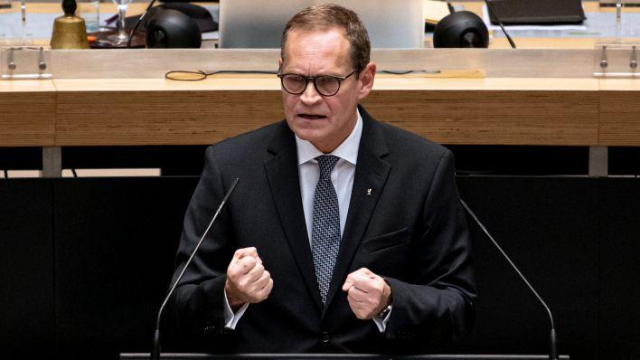 Berlins Regierender Bürgermeister Michael Müller bei einer Rede im Abgeordnetenhaus. Quelle: dpa/Fabian Sommer