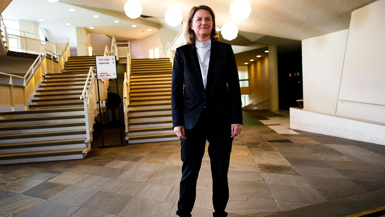 Archivbild: Die Intendantin Andrea Zietzschmann nach der Pressekonferenz der Berliner Philharmoniker. (Quelle: dpa/C. Koall)