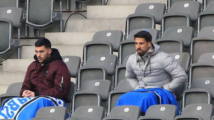 Ohne Maske auf der Tribüne: DFB-Kontrollausschuss ermahnt Hertha-Profi Khedira