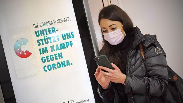 Corona Warn App Bekommt Check In Funktion Und Digitalen Impfpass Rbb24