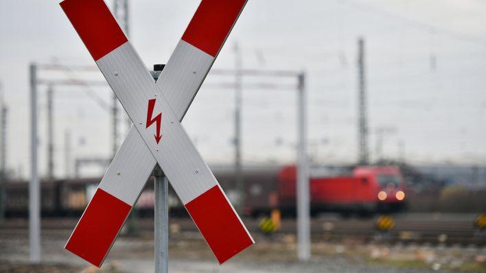 St-rung-am-Bahnhof-Teltow-Blitzeinschlag-stoppt-Z-ge-in-Berlin-und-Brandenburg