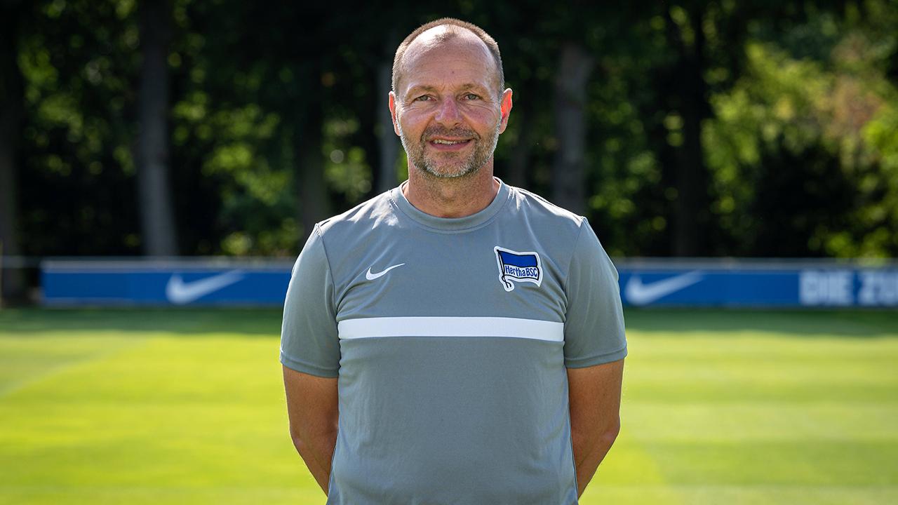Herthas freigestellter Torwart-Trainer Zsolt Petry (imago images/Tilo Wiedensohler)