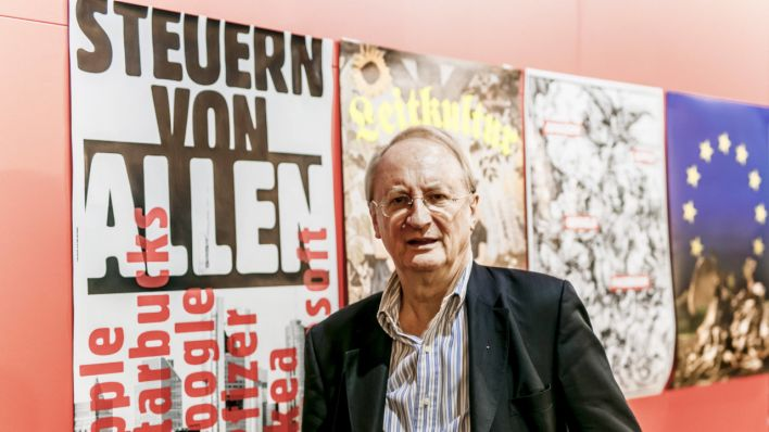 Klaus Staeck auf der Frankfurter Buchmesse (Quelle: imago images/Michael Gottschalk)