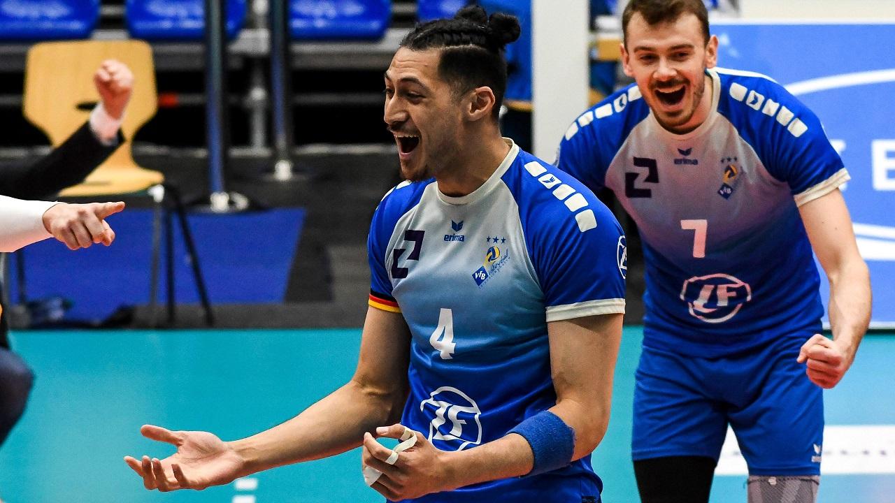 Volleyballspieler Nehemiah Mote jubelt über Punktgewinn (Quelle: imago images/nordphoto GmbH/Hafner)