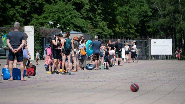 Berliner Bäderbetriebe stocken Ticketkapazitäten für Sommerbäder auf