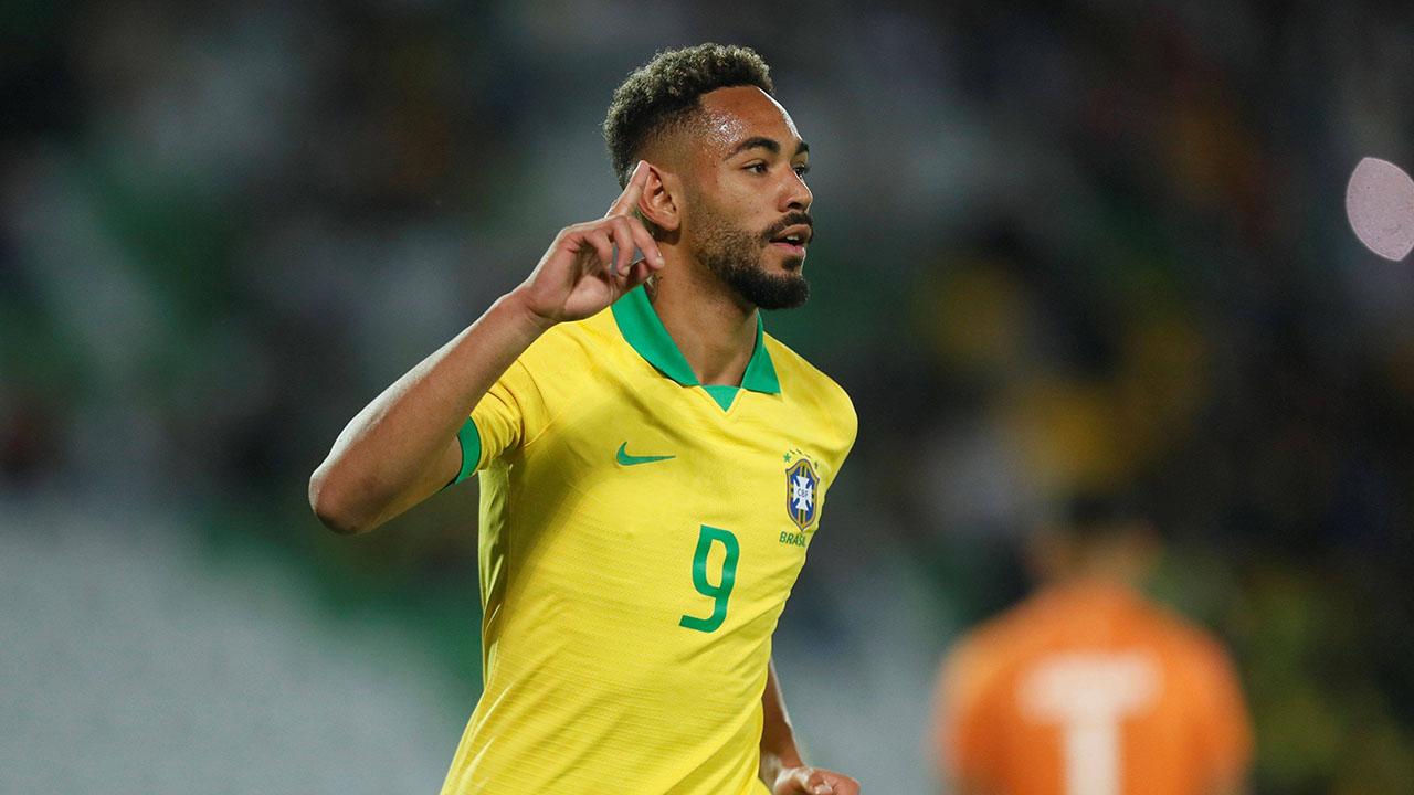 Matheus Cunha jubelt im Trikot der brasilianischen Nationalmannschaft (Quelle: imago/Agencia EFE)