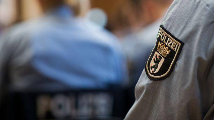 Zwölf Berliner Polizisten unter Verdacht rechtsextremer Straftaten