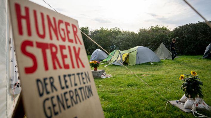 Neues Ultimatum an Kanzlerkandidaten: Klimaaktivisten im Hungerstreik drohen mit Flüssigkeitsverzicht