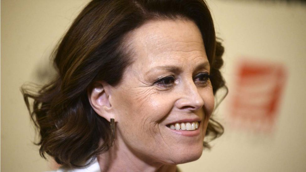 "Sigourney Weaver beim Special Screening des Kinofilms ""The Assignment"" im Whitby Hotel, New York City, 03.04.17 (Quelle: imago images / Dennis Van Tine)."