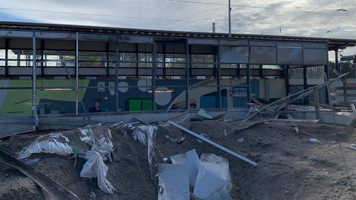 Die Auswirkungen der Bombensprengung am Bahnhof Ruhland (Bild: Amt Ruhland)